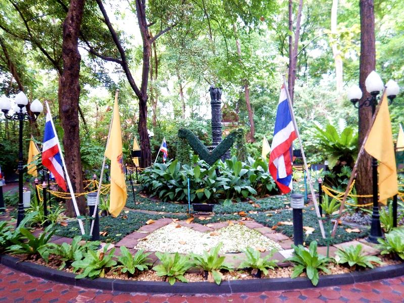 Bangkok Hidden Jem: Pathum Wanaram Temple Snake Meditation Center Things to do in Bangkok