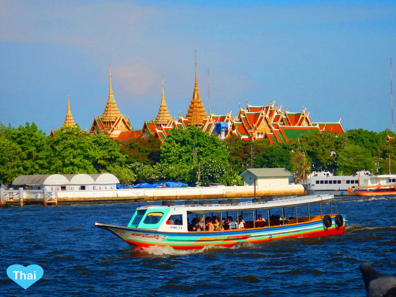 Bangkok Water Transportation loyal temple | The best way to travel in Thailand