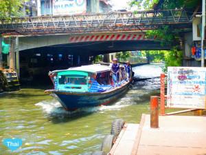 Bangkok Water transportation Khlong Saen Saeb | The Best Way To Travel In Thailand