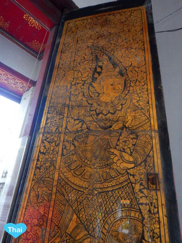 Wat Suthat story on the door | Things to do in Bangkok with Love Thai Maak