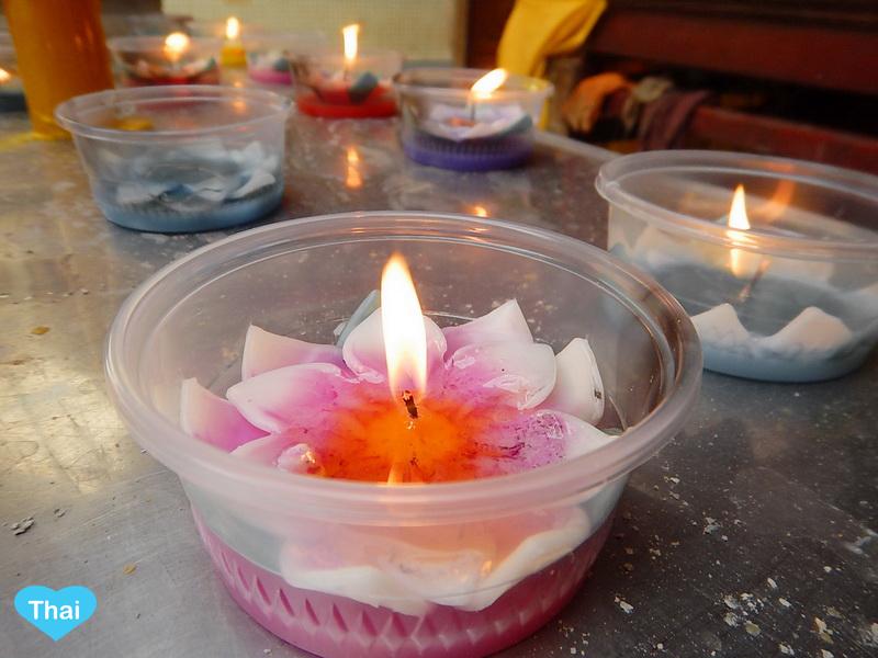 Wat Mangkon Kamalawat Chinatown Bangkok | Love Thai Maak Candle Flowers