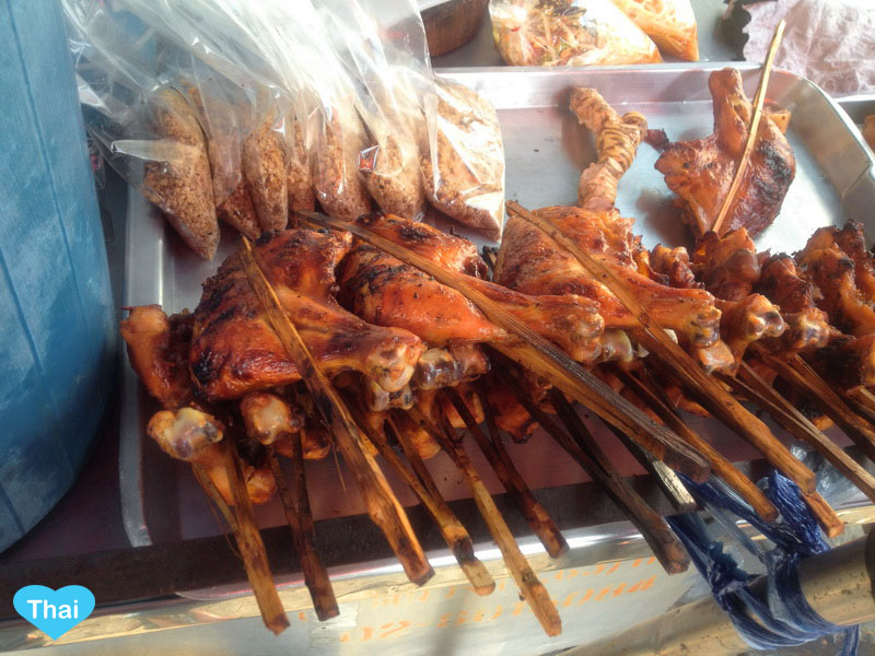 Thai Street Food : Grilled Chicken by Love Thai Maak traveling to Thailand through local eyes