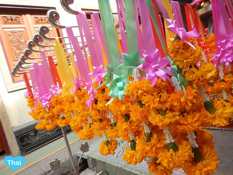 Things To Know Beyond Thailand Tourism : The Colorful Garland At Wat Leng Noei Yi