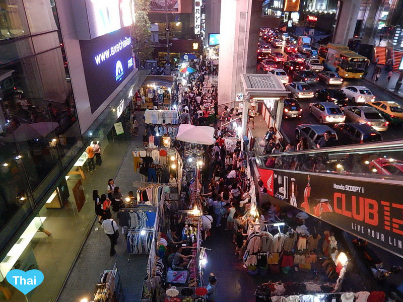 things to do in bangkok night market in Siam Area | Love Thai Maak