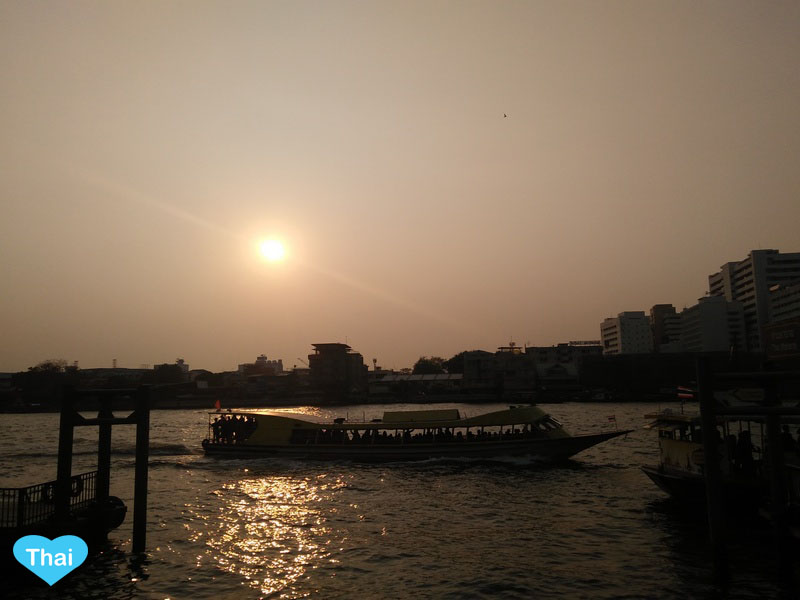 Love Thai Maak | 3 Must Visit Piers in Bangkok , Thailand Sunset at Chaopraya River