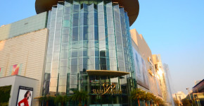 Love Thai Maak   Bangkok for Shopping Lovers: 7 Big Shopping Centers Right by BTS Stations - Siam Paragon