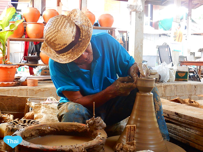 Love Thai Maak | Things To Do In Bangkok: Exploring Ko Kret Pottery Villages
